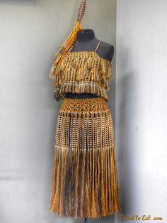 Kākahu (cloak weaving). Te Puia (Weaving School), Māori Arts and Crafts Institute. Rotorura, New Zealand