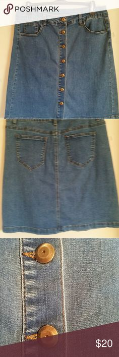 """JEAN SKIRT New, never worn faded Jean skirt. 3 pocket front, 2 pocket back. Brass metal buttons all the way down front.  21""""long, cotton, polyester & spandex.  NWOT jw Skirts Midi"""