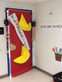 About a million ideas for teacher appreciation decoration! Some amazing parents got together and did this on a Sunday!