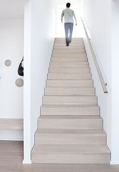 Mind-blowing photo - visit our short post for much more tips and hints! Flooring For Stairs, Concrete Stairs, Wood Stairs, Basement Stairs, House Stairs, Cantilever Stairs, Staircase Handrail, Staircase Design, Stair Design