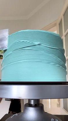 Cake Decorating Frosting, Cake Decorating Designs, Creative Cake Decorating, Birthday Cake Decorating, Cake Decorating Techniques, Cake Decorating Tutorials, Cake Designs, Cookie Decorating, Cake Piping