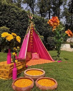 Let's jump to the list of off-beat Mehndi ceremony decoration ideas, that will lit up your decor in the best way, unique mehndi decor ideas Rustic Wedding Decorations, Marriage Decoration, Backdrop Decorations, Ceremony Decorations, Flower Decorations, Rustic Weddings, Outdoor Weddings, Romantic Weddings, Elegant Wedding