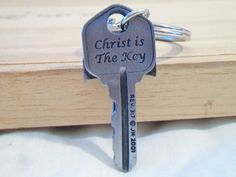 Christ Is The Key Keychain Crucifix Religious Accessories Pewter Cross Key Chain JH 2001