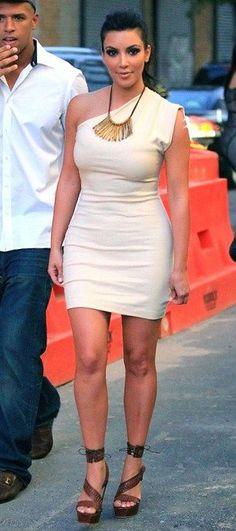 Kim Kardashian Fashion and Style - Kim Kardashian Dress, Clothes, Hairstyle - Page 108