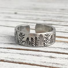 Cute Jewelry, Jewelry Rings, Jewelery, Slytherin, Moda Boho, Clean And Shiny, Stamped Jewelry, Gold Filled Jewelry, Hand Stamped