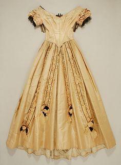 Dress, Evening  Date: 1845–50 Culture: British Medium: silk Dimensions: Length at CB: 55 in. (139.7 cm) Length at CF: 50 in. (127 cm) Width at Bottom: 147 1/2 in. (374.7 cm)