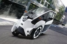 """Toyota inició ayer un programa piloto en el área metropolitana de Tokio donde el público puede manejar un mini auto eléctrico: el """"i-Road"""". Dicho programa, cuya meta es medir la efectividad de un auto eléctrico en situaciones del diario vivir en zonas urbanas, continuará en funcionamiento hasta ..."""