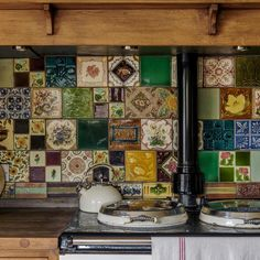 Patchwork tiles make this range look even more homely. See all of this lovely home in our latest issue; on sale now.⠀ ⠀ #countrystyle…