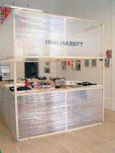 Mini Market: The Pop Up Art Department Store 6 some ideas - quelques idées pour un stand - (mais le plastic bof en termes d'écologie !!!)