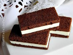 PRAJITURA KINDER FELIE DE LAPTE Sweets Recipes, Baby Food Recipes, Baking Recipes, Cookie Recipes, Mini Desserts, Delicious Desserts, Yummy Food, Romanian Desserts, Mango Cake