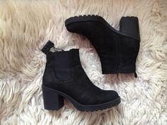 Boots Vagabond.