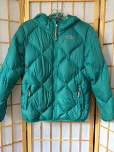7847bbbf977 Girls  NORTH FACE Moondoggy 550 Down Reversible Hood Puffer Jacket L 14 16  Teal