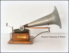 HMV Trademark-Style Berliner Gramophone Antique Phonograph Talking Machine