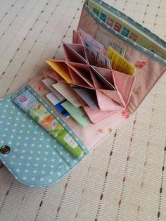 開いてビックリ‼母子手帳✴お薬手帳✴カードケース 椿×イエロー Diy Home Crafts, Sewing Crafts, Sewing Projects, Sew Wallet, Card Wallet, Purse Patterns, Sewing Patterns, Sew Together Bag, Wallet Tutorial