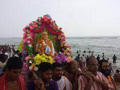 """Dandavats Pranamas! Jay Sri Sri Guru Gauranga! Neste ano de 2015, o divino desaparecimento de Srila Haridasa Thakura, que é considerado o """"namacarya"""", ou acarya do Santo Nome, é no dia…"""