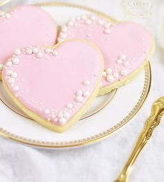 Smart Cookie: 6 Tips To Decorate Cookies With Royal Icing Obsessed With The . - Smart Cookie: 6 Tips To Decorate Cookies With Royal Icing Obsessed With These Gorgeous Cookies! Cookies Cupcake, Wedding Cake Cookies, Fancy Cookies, Cookie Icing, Iced Cookies, Royal Icing Cookies, Sugar Cookies, Flower Cookies, Cookie Bouquet