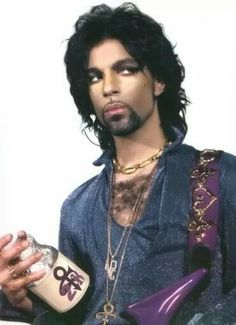Prince in 1999 for the Rave Un2 The Joy Fantastic album/era - great photo session!
