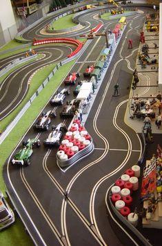 Slot Car News, Features, Columns and Resources Slot Car Race Track, Ho Slot Cars, Slot Car Tracks, Slot Car Racing Sets, Carrera Slot Cars, Scalextric Track, Las Vegas, Slot Machine Cake, Lego