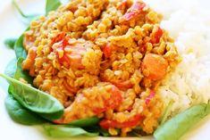 En väldigt snabblagad tandoorigryta med linser. Jag serverade med ris, men är säkerligen gott med t ex nudlar eller quinoa även. Tandoorigryta med linser 4 port 3 dl röda linser (9 kr) 3 dl kokosmjölk (9 kr) 3 dl vatten 2 morötter (2 kr) 1 röd paprika (5 kr) 1 vitlöksklyfta (1 kr) 1/2 grönsaksbuljongtärning… Continue reading Tandoorigryta med linser