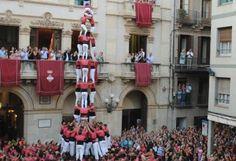 La Colla Vella dels Xiquets de Valls alça un tres de nou. Firagost 2014