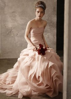 I'm so in LOVE with this dress & this whole romantic look!