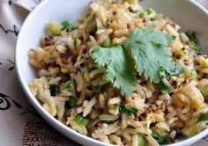 Fried Brown Rice with Vegetables Asian style Vegan Fried Rice, Vegan Stir Fry, Fried Brown Rice, Veggie Recipes, Vegetarian Recipes, Cooking Recipes, Vegan Vegetarian, Yummy Recipes, Recipies