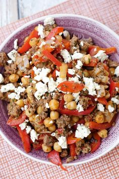 Low carb chickpea minced pan with feta and bell pepper .- Fast low carb chickpea chop pan with peppers, alvar and feta Meat Recipes, Healthy Dinner Recipes, Low Carb Recipes, Vegetarian Recipes, Quick Recipes, Law Carb, Fast Low Carb, Minced Meat Recipe, Healthy Protein