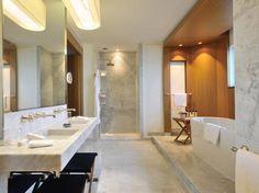 Salle de bains design en marbre