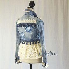 #MakingClothesFromOldClothes Denim And Lace, Lace Jeans, Making Clothes From Old Clothes, Clothes Crafts, Festival Mode, Festival Fashion, Boho Jeans, Boho Chic, Shirt Makeover