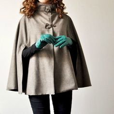 Trendy Cape pattern by Vanessa Pouzet Diy Couture Cape, Couture Sewing, Winter Trends, Diy Clothing, Sewing Clothes, Diy Fashion, Winter Fashion, Fashion Trends, Street Fashion