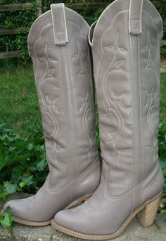 SEXY!!! PERFECT WEDDING BOOTS!!    Cowboy boots vintage Capezio taupe Tall high by OutOfMyMamasAttic, $79.99