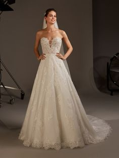 Dancing Lights: The new Pronovias 2020 collection we& been waiting for is here! - Pronovias Wedding Dresses The collection we were eagerly waiting for is here! Pronovias Wedding Dress, Sheath Wedding Gown, Couture Wedding Gowns, Designer Gowns, Designer Wedding Dresses, Bridal Dresses, Bellatrix, Bustier, Marie
