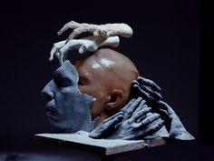 """SARAH SITKIN - LA ÚLTIMA HERIDA - """"(...) Como en una pesadilla los cuerpos de Sarah Sitkin se deshacen, se agrietan y se parten hasta una multiplicidad aberrante"""" - #sarahsitkin #horror #gore #art #sculptures #milmesetas #creemosenelasombro"""