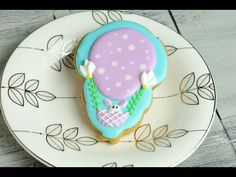 I made Easter Balloon Cookies. In this video I show you how to make these fun and really cute cookies using an Easter Chick Cookie Cutter by Wilton. Enjoy. I...