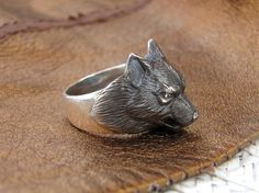 Items similar to Wolf Ring.Animal jewelry on Etsy Body Jewelry Shop, Jewelry For Her, Stylish Jewelry, Jewelry Stores, Jewelry Gifts, Fashion Jewelry, Jewelry Accessories, Friend Jewelry, Kids Jewelry