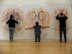 Segni Mossi és un projecte de recerca nascut de la col·laboració entre Alessandro Lumare (artista visual) i Simona Lobefaro (coreògrafa), que es dediquen a investigar la relació entre la dansa -com a projecció en l'espai i emergència de la part emocional- i el dibuix -com a extensió del cos, l'acció i que deixa rastre de […]