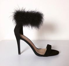 Now in black, these Fun Fur Heels are perfect for your next night out ! - Made to Order with Love ! - True to Size - Materials: Suede & Faux Fur - Heel measures approximately 3.75 - Platform measures