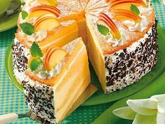 www.bildderfrau.de kochen-backen rezepte article206603329 Apfelcreme-Schicht-Torte.html?service=amp