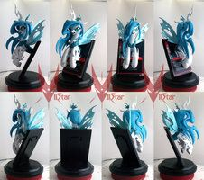 BronyCAN Queen Volucris CCG trophy by VIIStar