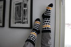 Täykkäri: Räsymatto-marisukat Marimekko, Knitting Socks, Knit Crochet, Google, Diy, Fashion, Slipper, Tights, Knit Socks