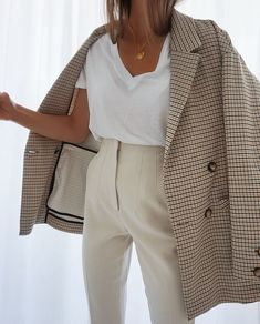 Summer Fashion Tips .Summer Fashion Tips Winter Fashion Outfits, Work Fashion, Fall Outfits, Autumn Fashion, Fashion Looks, 70s Fashion, Fashion Vintage, Fashion History, Modest Fashion