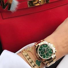 Rolex Daytona with Green Dial great for any #outfit 305-377-3335 www.diamondclubmiami.com/contact-us #ladywatches #ladyswatch #ladyswatches #ladys #elegants #watchlover #Watchoftheday #watchesofinstagram #girls #girlslove #watch #watches #rolex #rolexdayd