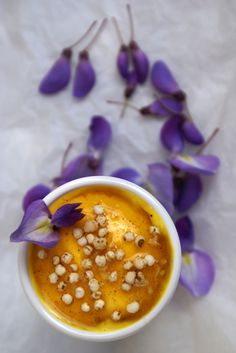 Saffron yogurt with spicy honey