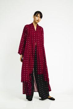 Batik Kebaya, Kebaya Dress, Batik Dress, Hijab Dress, Batik Fashion, Abaya Fashion, Fashion Dresses, Women's Fashion, Modest Dresses