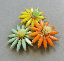 Vintage unsigned Schreiner flower brooch pin