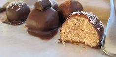 Chocolate Pumpkin Spice Truffles and more of the best paleo pumpkin recipes on MyNaturalFamily.com #paleo #pumpkin #recipe