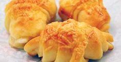Vendégváró sajtos kifli Dairy, Cheese, Food, Essen, Meals, Yemek, Eten