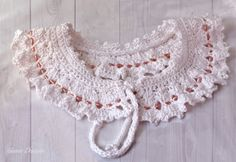 White Peter Pan crochet lace collar with pink beads by gunadesign, €13.50