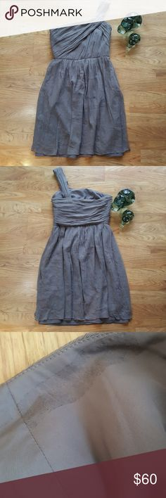 J. Crew Grey/Taupe 100% Silk Cocktail Dress Sz 6 J. Crew Grey/Taupe Cocktail Dress Size 6 Colour Grey/Taupe 100% Silk Strap On On Shoulder Side Zip Fully Lined Measurements:  Bust 17 Inchs Waist 13 3/4 Inchs Length 36.5 Inchs Perfect Condition, Has A Marking On Inner Lining (See Pics) J. Crew Dresses One Shoulder
