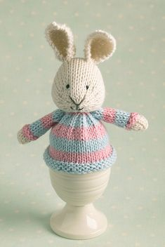 Knit bunny egg cosie